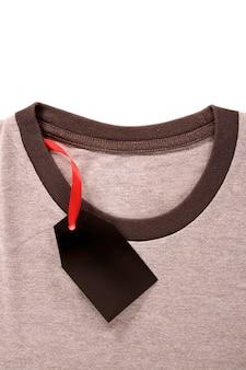 Preisschild auf t-shirt