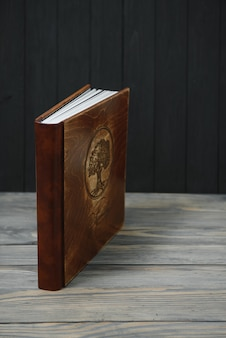 Premium-fotobuch, großformatig, naturholzabdeckung, hochzeitsfotobuch, familienfotobuch, dicke blätter, qualitätsbindung