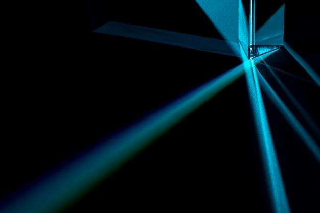 Prisma, das das lichtkonzept zerstreut
