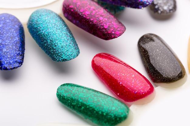 Proben von nagellacken