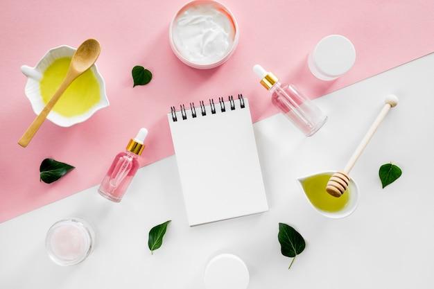 Produkte und copy space notebook