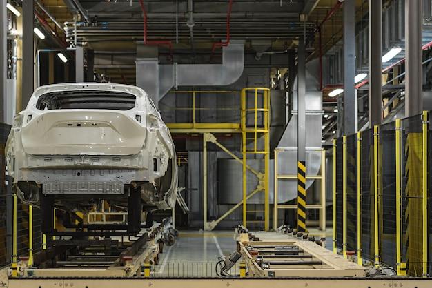 Produktionslinie des automobilwerks, lackiererei