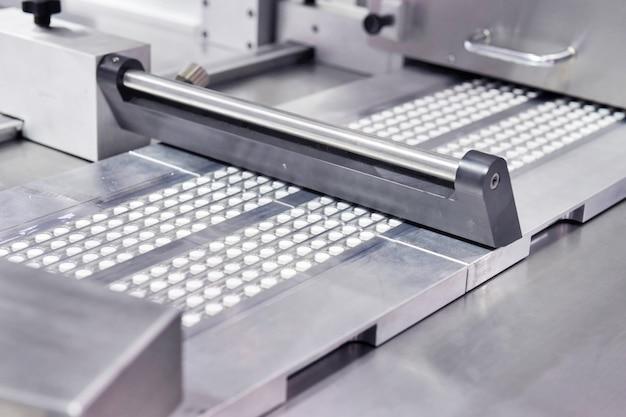 Produktionslinie für pharmazeutische weiße medizintablettenpillen