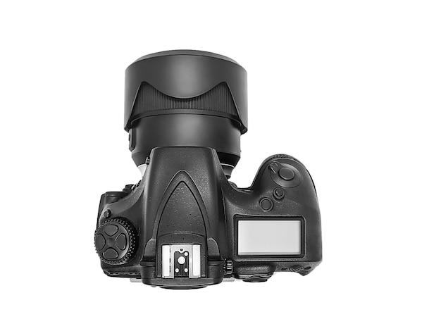 Professionelle dslr-digitalkamera mit riesigem weitwinkelobjektiv, isoliert auf weiß