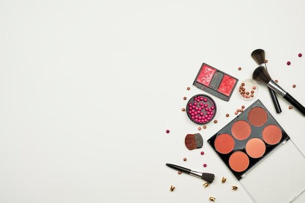 Professionelle make-up pinsel und werkzeuge