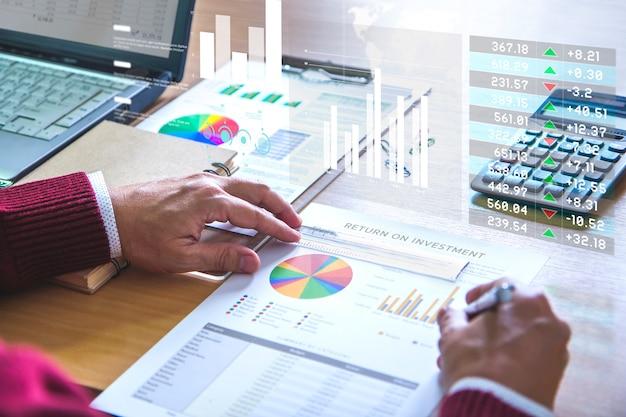 Prüfung eines finanzberichts zur analyse der kapitalrendite