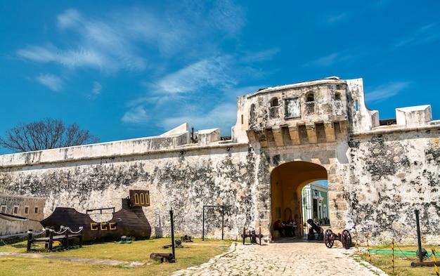 Puerta de tierra, stadttor von san francisco de campeche in mexiko