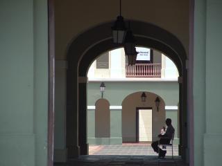 Puertoricanischen sehenswürdigkeiten, sitzend