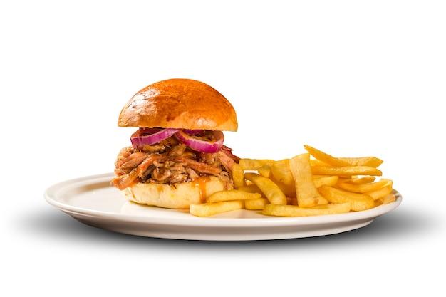 Pulled pork sandwiches mit bbq sauce und zwiebeln.