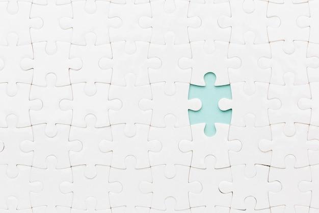 Puzzle mit einem stück fehlt