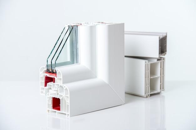 Pvc-profilfenster mit dreifachverglasung