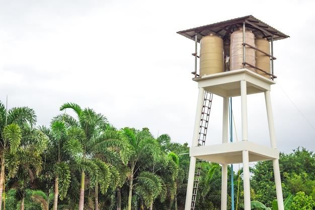 Quelle der wasserversorgung von dörfern in thailand.
