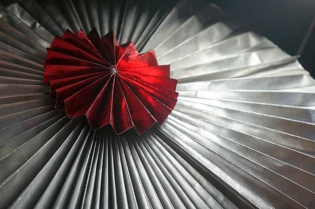 Radius asia papierregenschirmfalte im musterstil mit hilight darauf