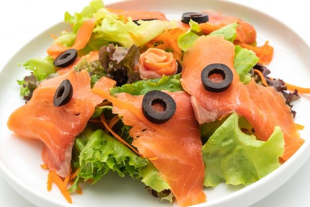 Räucherlachssalat - gesunde ernährung