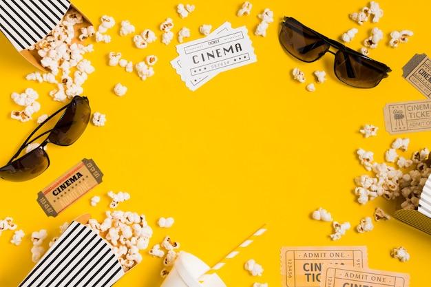 Rahmen aus popcorn und gläsern