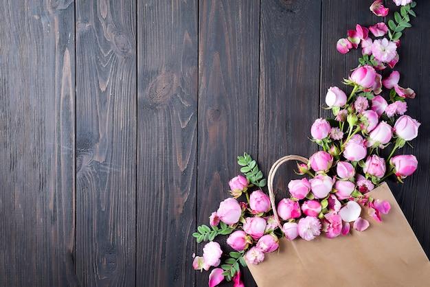 Rahmen aus rosa rosen