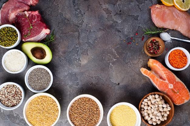 Rahmen für gesundes essen auswahl sauberer speisen, einschließlich bestimmter proteine, verhindert krebs