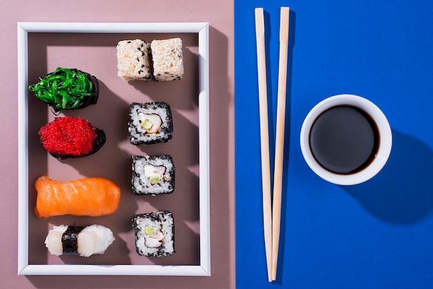 Rahmen mit sushi-rollen