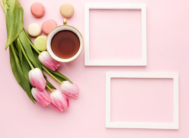 Rahmen und tulpen