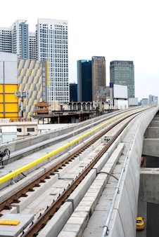 Rail sky train, der früher am morgen fuhr, bangkok, thailand