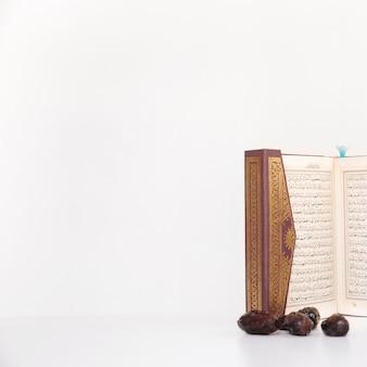 Ramadan-konzept mit koran