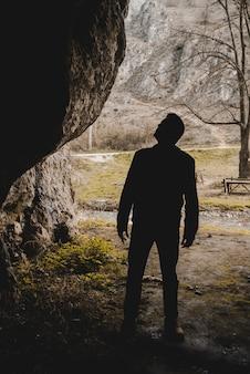 Rambler in einer höhle