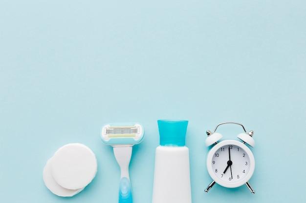 Rasiermesser und lotion mit kopierraum