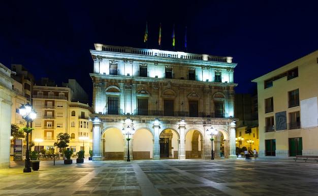 Rathaus in der nacht. castellon de la plana