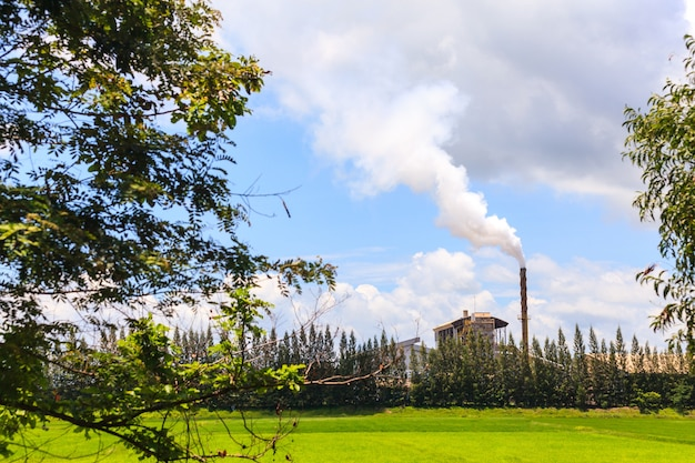 Rauch aus der fabrik