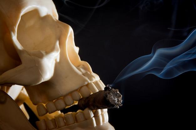 Rauchender schädel