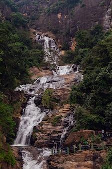 Ravana falls, wasserfall in der nähe von ella, sri lanka
