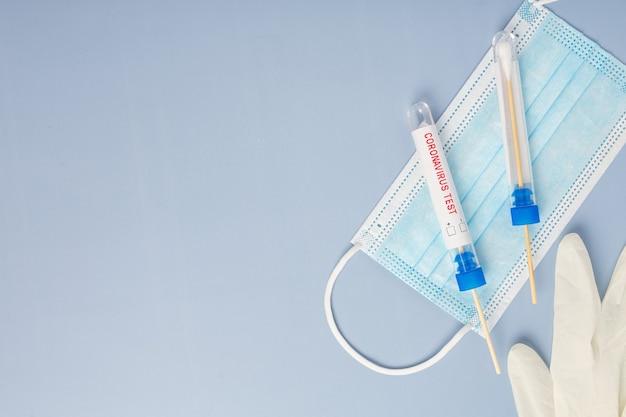 Reagenzgläser mit wattestäbchen für nasopharyngeal