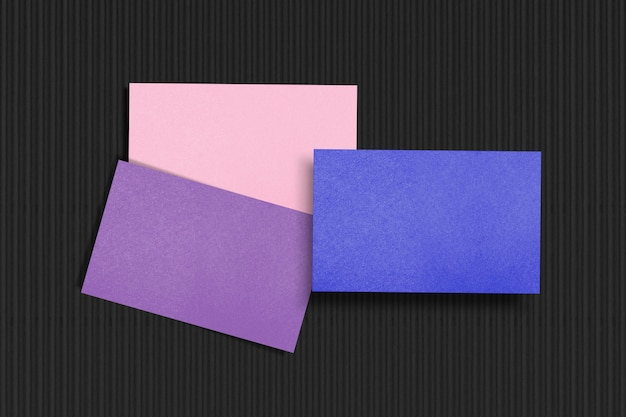 Realistische leere visitenkarte im pastellthema