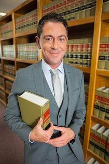 Rechtsanwaltlesebuch in der gesetzesbibliothek
