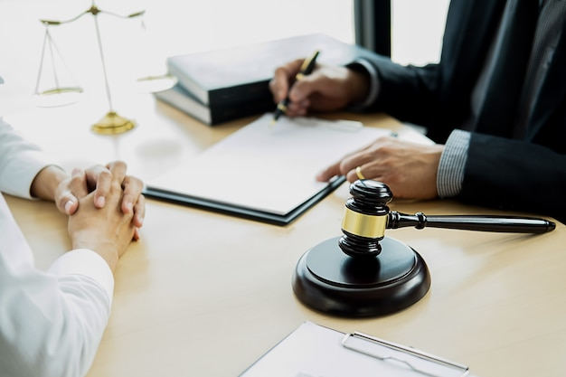 Rechtsbegriffe und juristische dienstleistungen