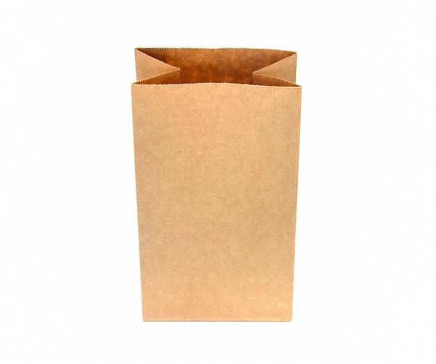Recycling braune papiertüte auf weißem hintergrund
