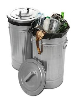 Recyclingbehälter auf weiß