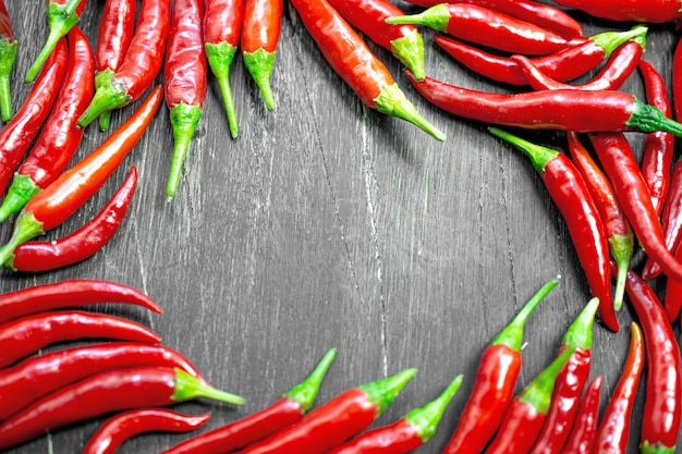 Red hot peppers frame hintergrund