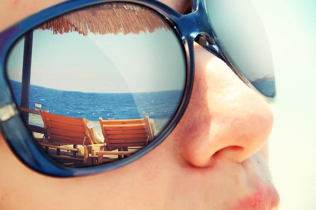 Reflexion eines tropischen ferienortes