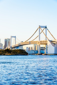 Regenbogen-brücke in tokyo city in japan