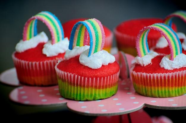 Regenbogen cupcakes sortiment