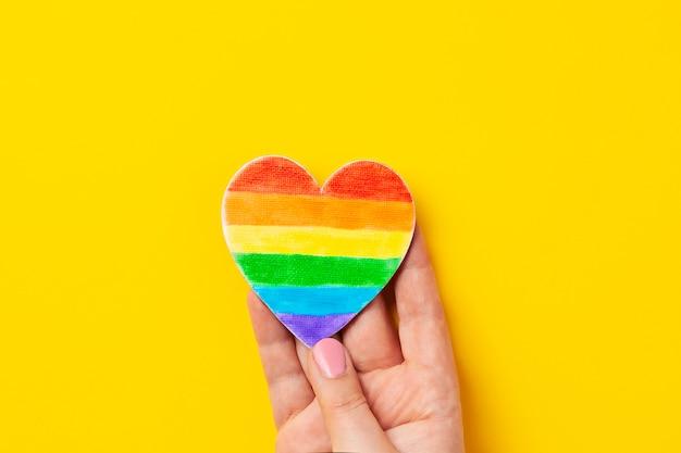 Regenbogenfarbe streift symbol des homosexuellen stolzes lgbt. kopieren sie platz