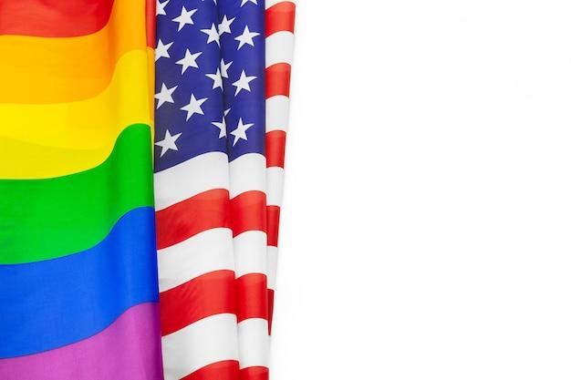 Regenbogenflagge des stolzes und der usa-flagge