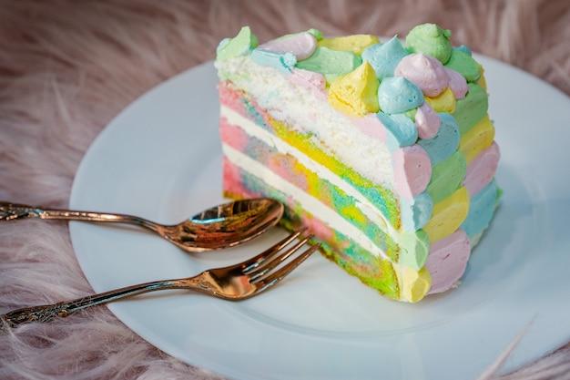 Regenbogenkuchen bäckerei am morgen