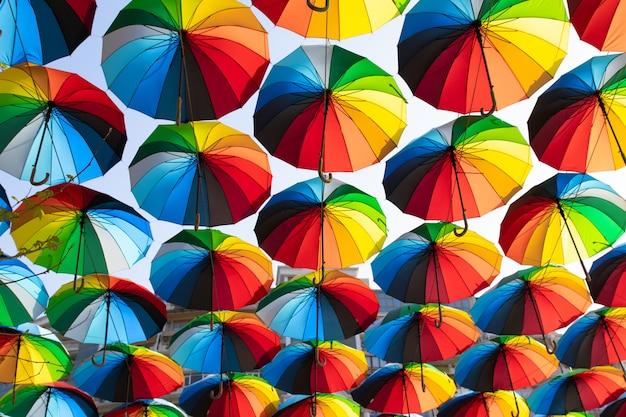 Regenschirm straßendekoration