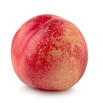 Reife frische nektarinenfrucht lokalisiert auf weißem hintergrund.