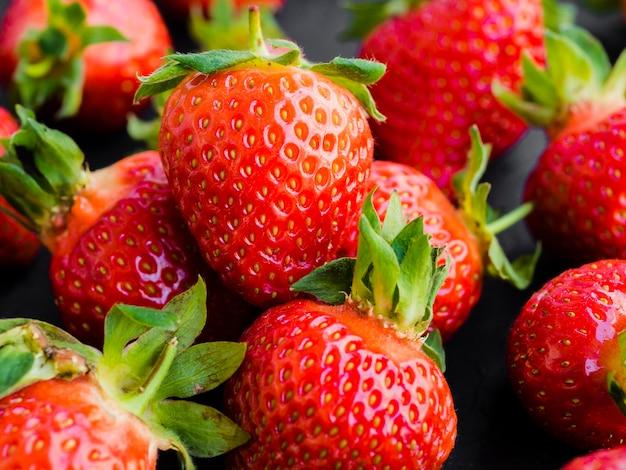 Reife leckere erdbeere