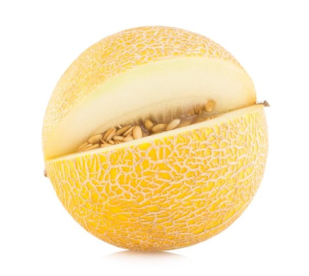 Reife melone isoliert auf weißem hintergrund