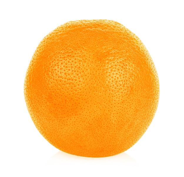 Reife orange isoliert auf weiß