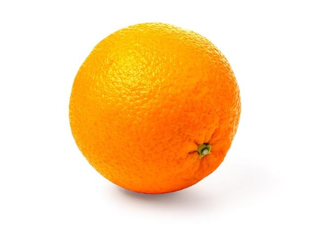 Reife orange isoliert auf weißem hintergrund beschneidungspfad
